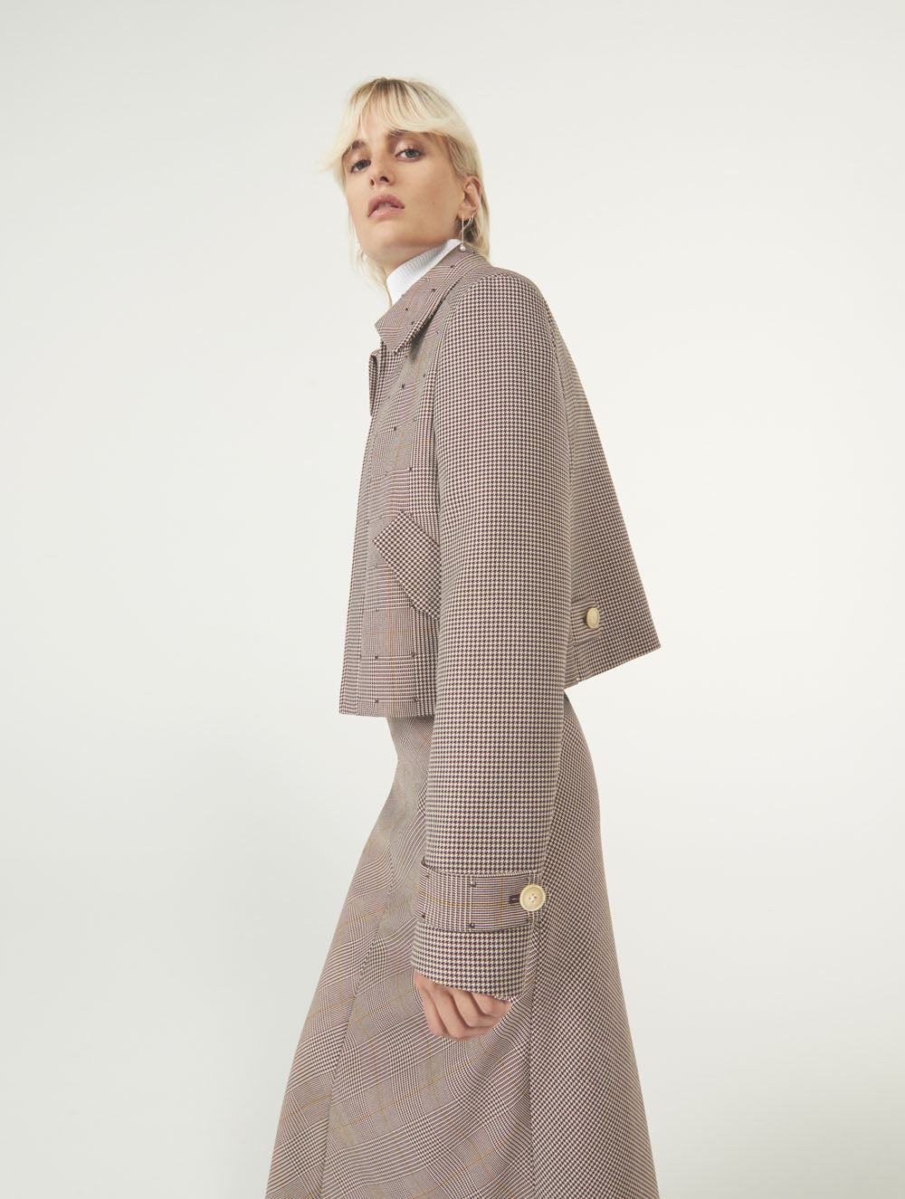 Women Fashion Lookbook Resort 2020 Collection Aknvas Look 13