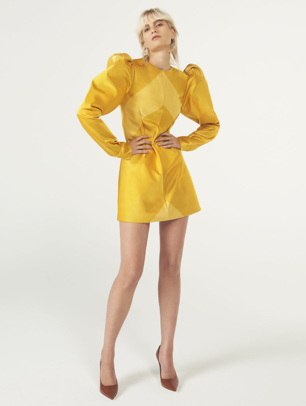Women Fashion Lookbook Resort 2020 Collection Aknvas Look 14