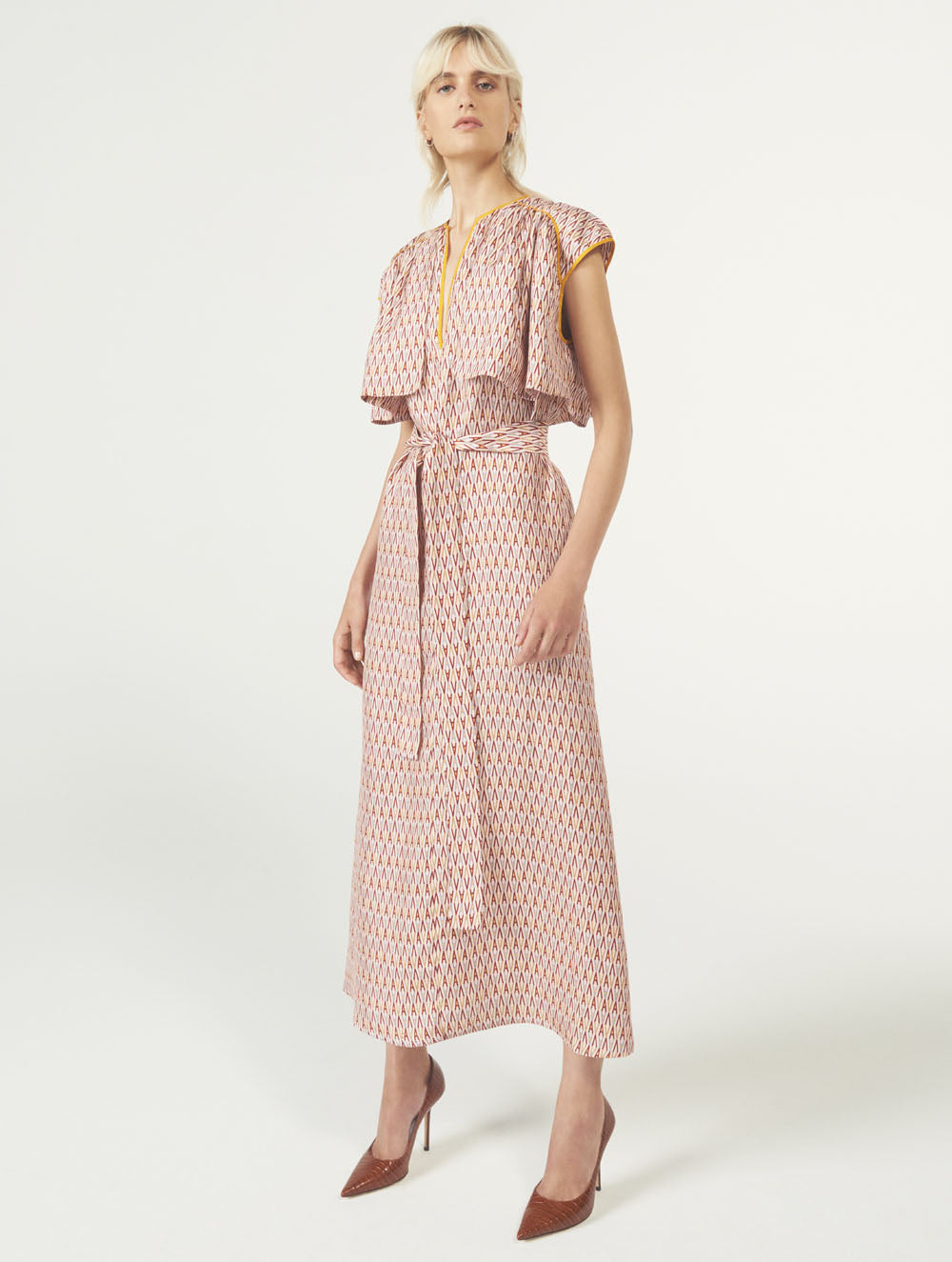 Women Fashion Lookbook Resort 2020 Collection Aknvas Look 15