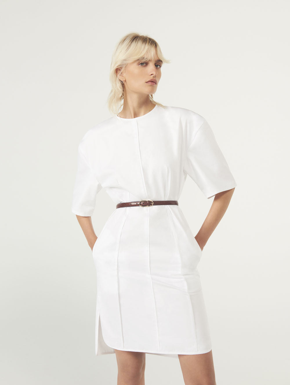 Women Fashion Lookbook Resort 2020 Collection Aknvas Look 2