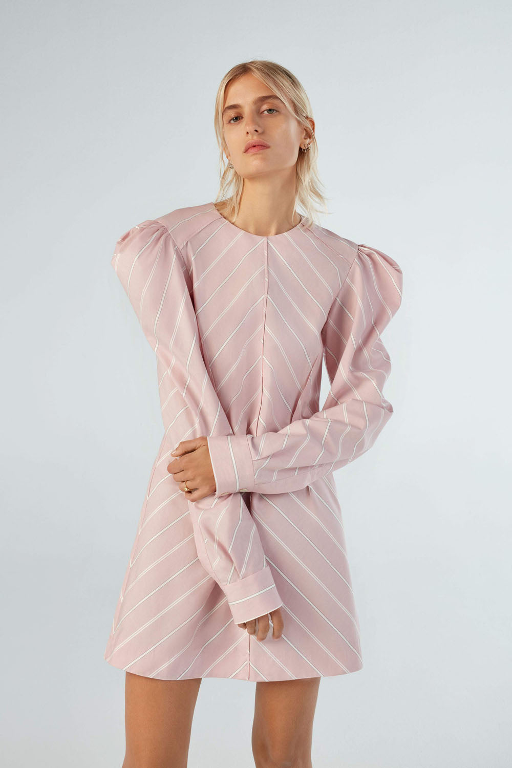 Women Fashion Lookbook Spring 2020 Collection Aknvas Look 2