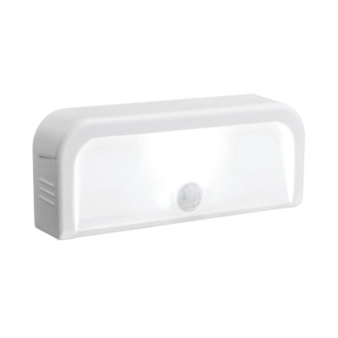 Small LED Nightlight with Movement Detection (15 lumens)