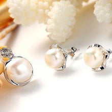 Load image into Gallery viewer, High Luster Freshwater Pearl Jewelry Set White - pearlsnlucent.com
