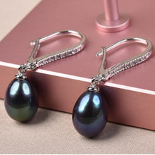 Load image into Gallery viewer, Natural Cultured Freshwater Pearl Earrings - pearlsnlucent.com