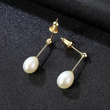 Load image into Gallery viewer, Freshwater Pearl Stud Earrings - pearlsnlucent.com