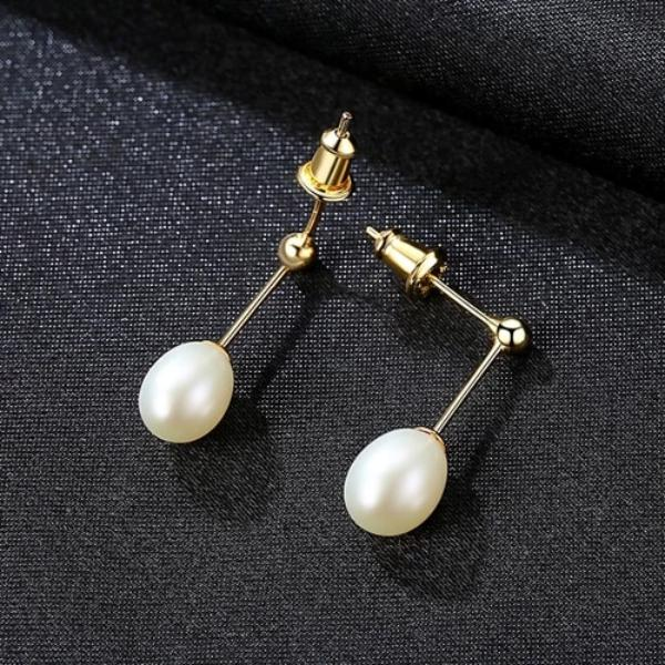 Freshwater Pearl Stud Earrings - pearlsnlucent.com