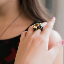 Load image into Gallery viewer, Vintage Black Gold Cocktail Ring - pearlsnlucent.com