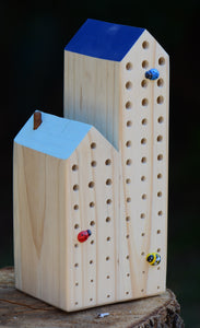 K - Cute and Quirky Bee Hotel - Double