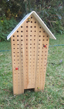 Load image into Gallery viewer, O - Specialised Bee Hotel - Triple Perspex Roof