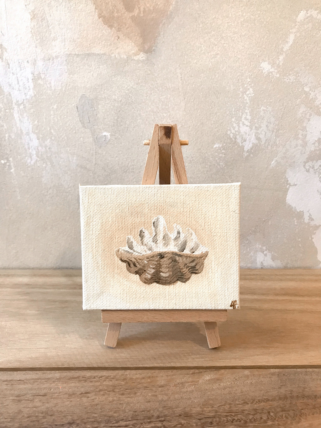 Resort Clam Shell 8cm + easel Original Artwork