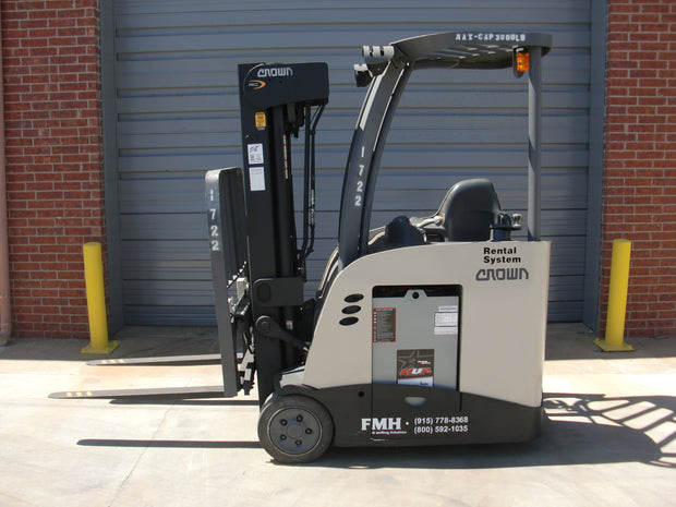 2015 Crown RC5535-35 Electric Forklift (3,500 Lbs. Capacity)