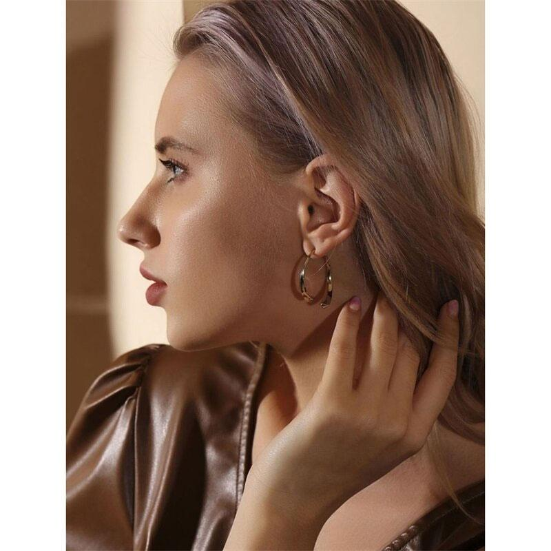 Simple Curved Fashion Earrings