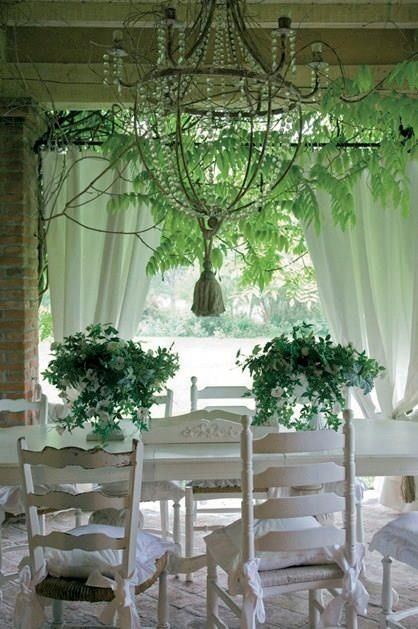 Ivy Cottage style dining room