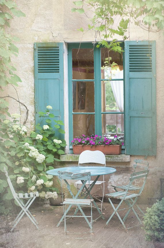 French cafe setting