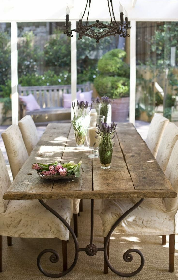 Provence style outdoor dining