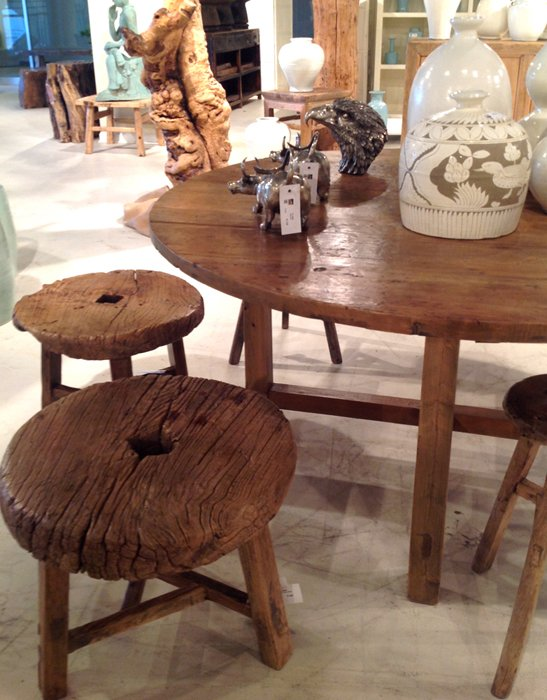 reclaimed tables and chairs for earthy chic look