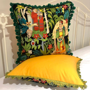 50x50 Frida cushions with fabulous edging.