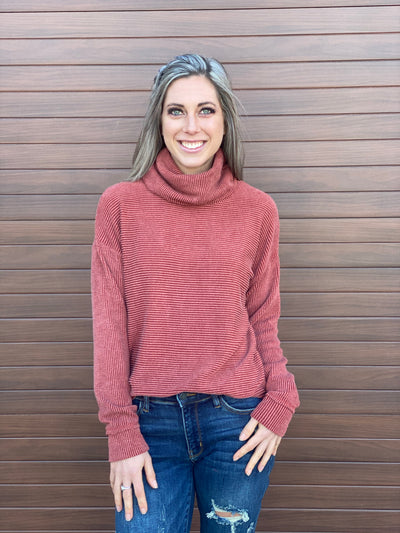 Ribbed Turtleneck Top - Rust