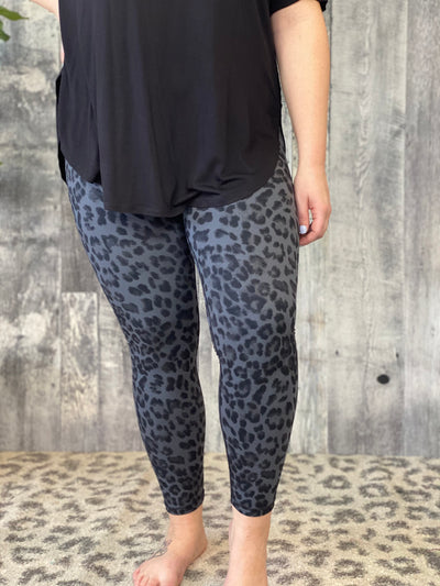 Grey Leopard Leggings  - Small - 3X