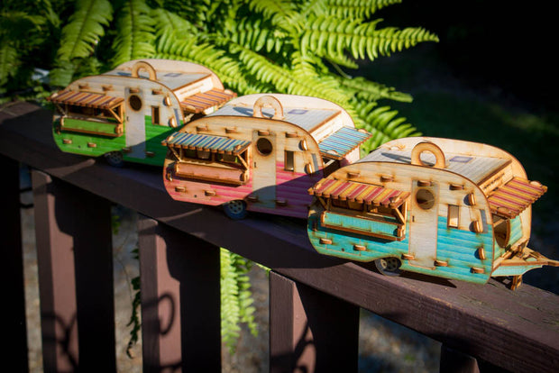 Vintage Camper Bird House Scale model playset you can build and use! Bring back the love of travel! 1