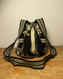 GUANABANA // Big Crossbody black & white