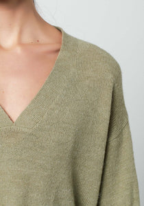 R&C // Emilie V neck knit