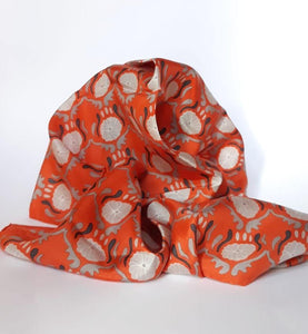 LES BELLES VAGABONDES // Jaipuir orange silk scarf - Loja Real