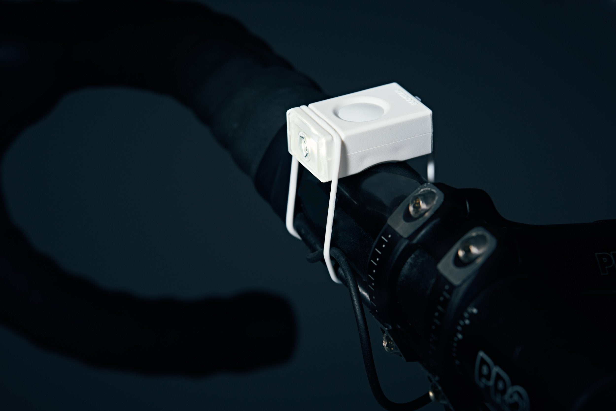 BIKE LIGHTS // Rechargeable Block Front Light