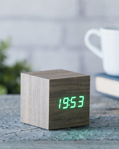 CUBE // Wood like clock