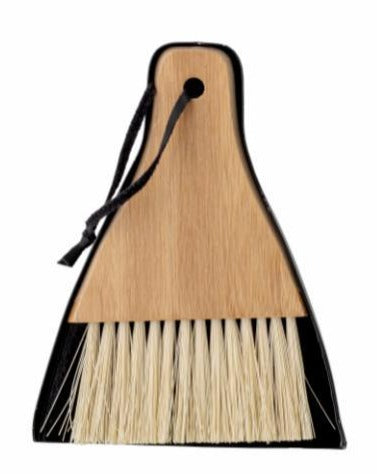 DUSTPAN & BROOM // Black and Bamboo