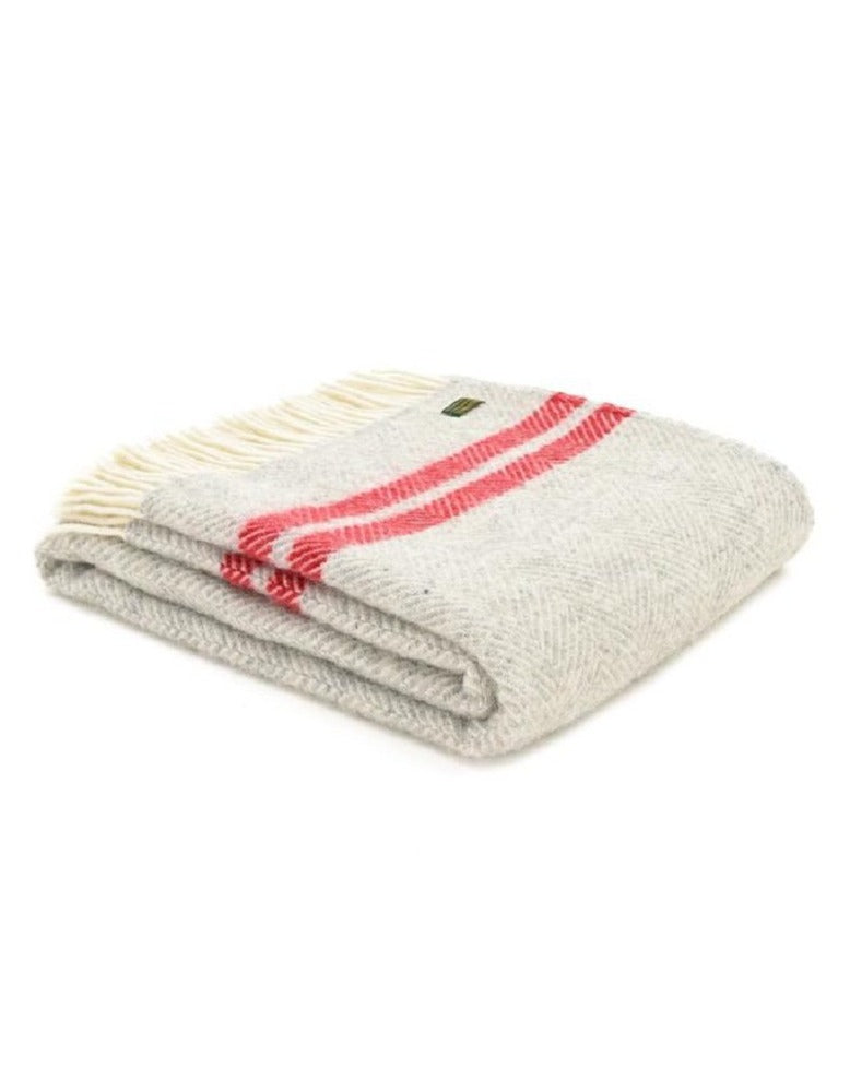 TWEEDMILL // Fishbone 2 red stripes throw