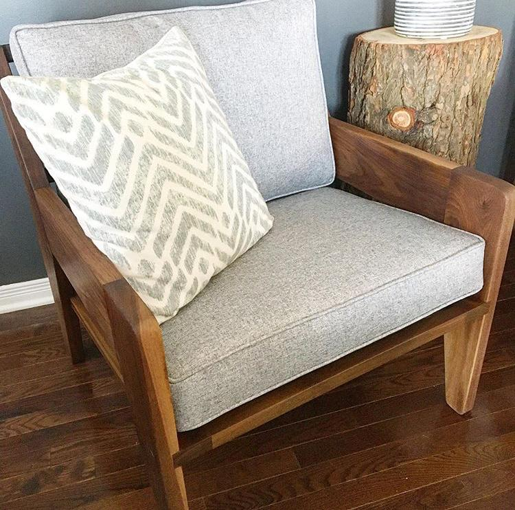 Wellington Armchair With Cushions and A Single Pillow