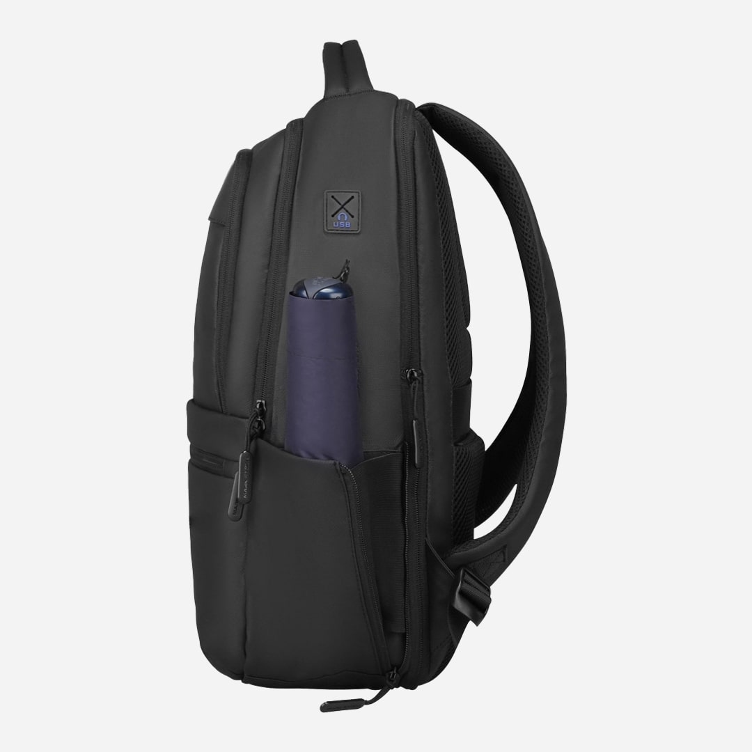 Black oxford backpack for professionals