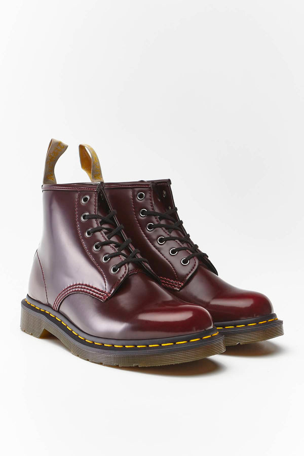 #00009  Dr.Martens obuv, členkové čižmy VEGAN 101 CHERRY RED CAMBRIDGE BRUSH CHERRY RED CAMBRIDGE BRUSH