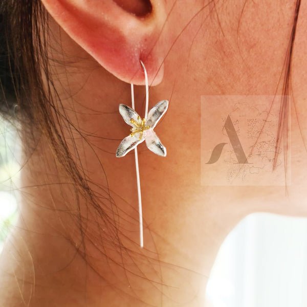 925 Sterling Silver White Trillium Flower Earrings