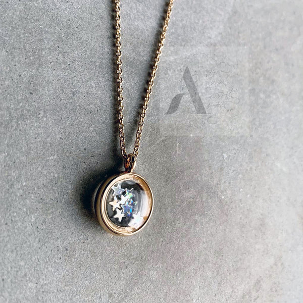 Gold Tone Glass Pendant Necklace with Shinny Stars