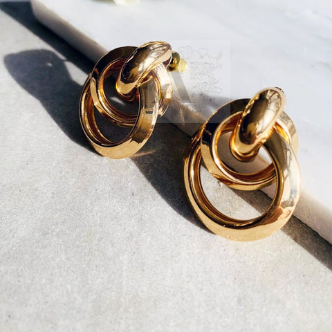Gold Toned Interlined Circles Earrings