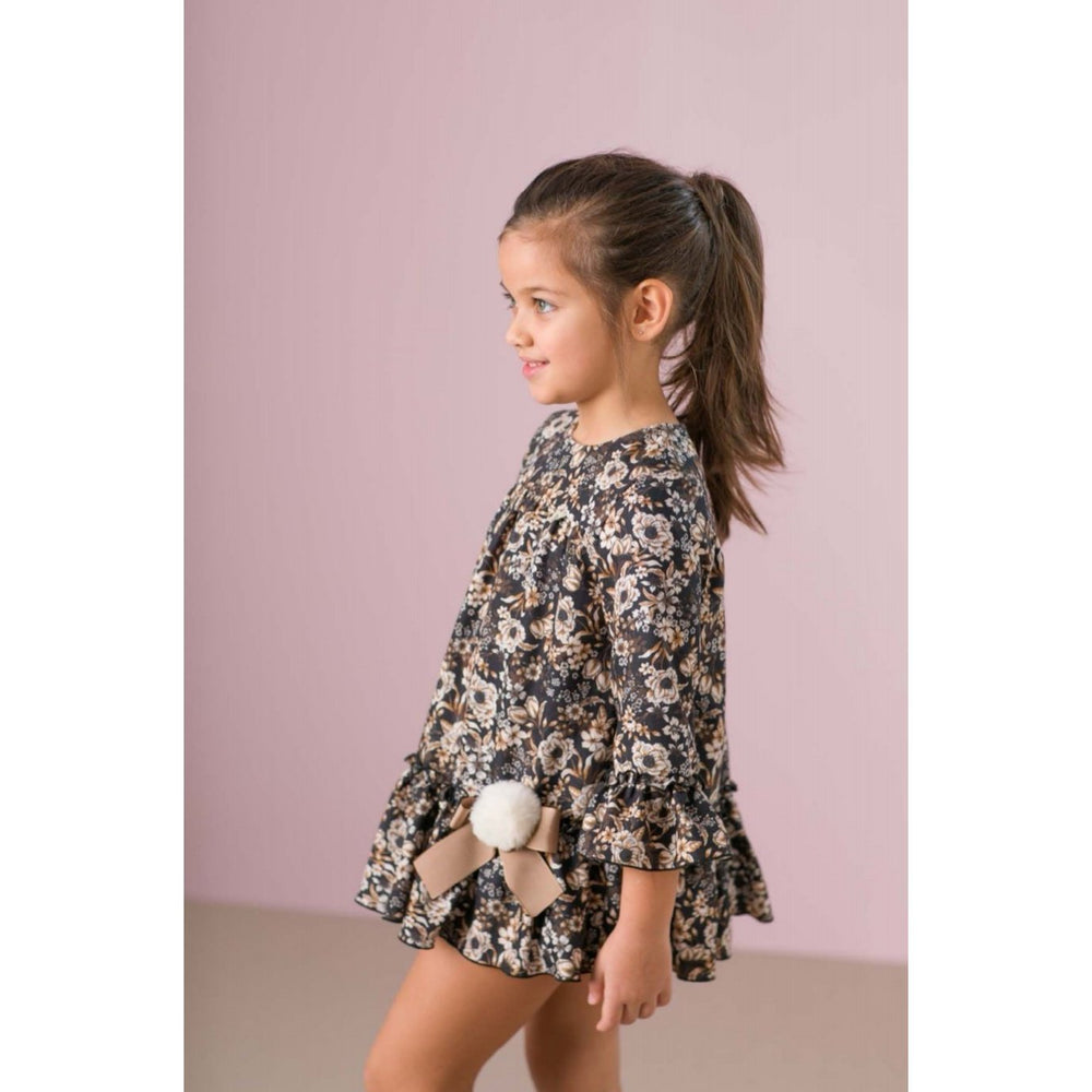 Our new Autumn collection from Spanish kids clothing brand Carmen Vazquez is truly beautiful. With elegant prints and patterns, this collection brings traditional Spanish clothing in to the modern world