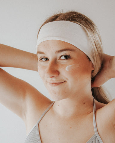 Five habits of people with great skin moisturise daily
