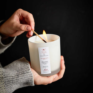 UP-LUX-BY-NATURE-CANDLE-WITH-ESSENTIAL-OILS