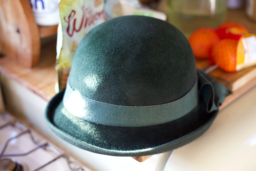 70s Does 30s Green Wool and Large Ribbon Hat