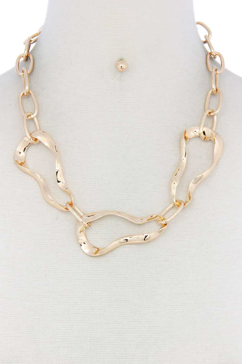 Bent Oval Shape Necklace