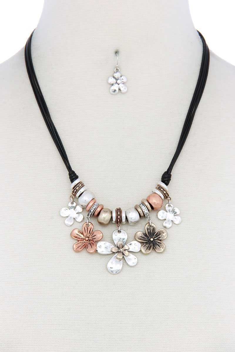 Tri Tone Flower Charm Pu Leather Necklace