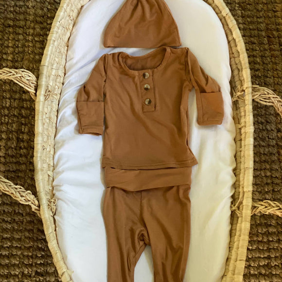 Top & Bottom Outfit and Hat Set (Newborn - 3 mo.)