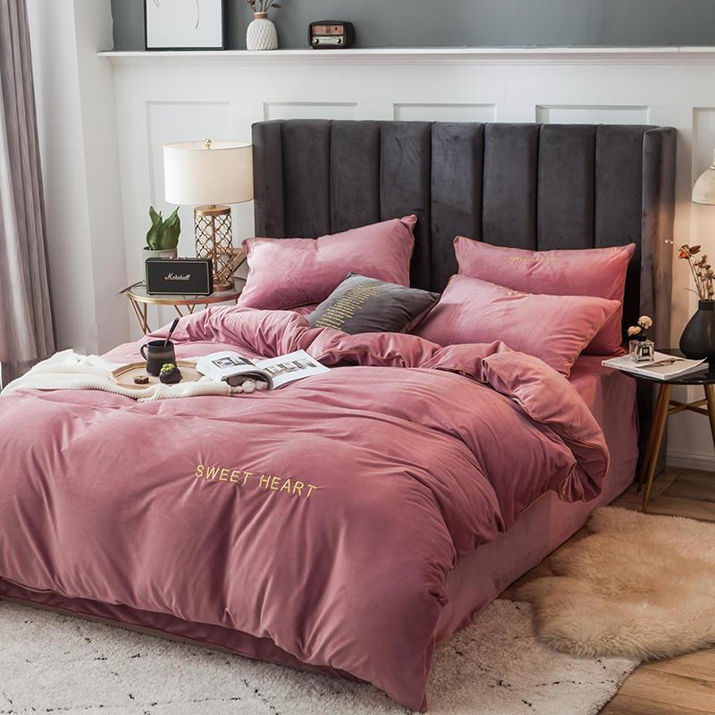 Sweet Heart Velvet Bedding Set