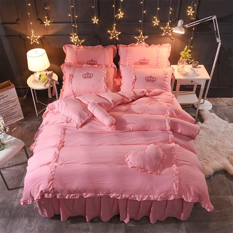 Crown Ruffles Bedding Set