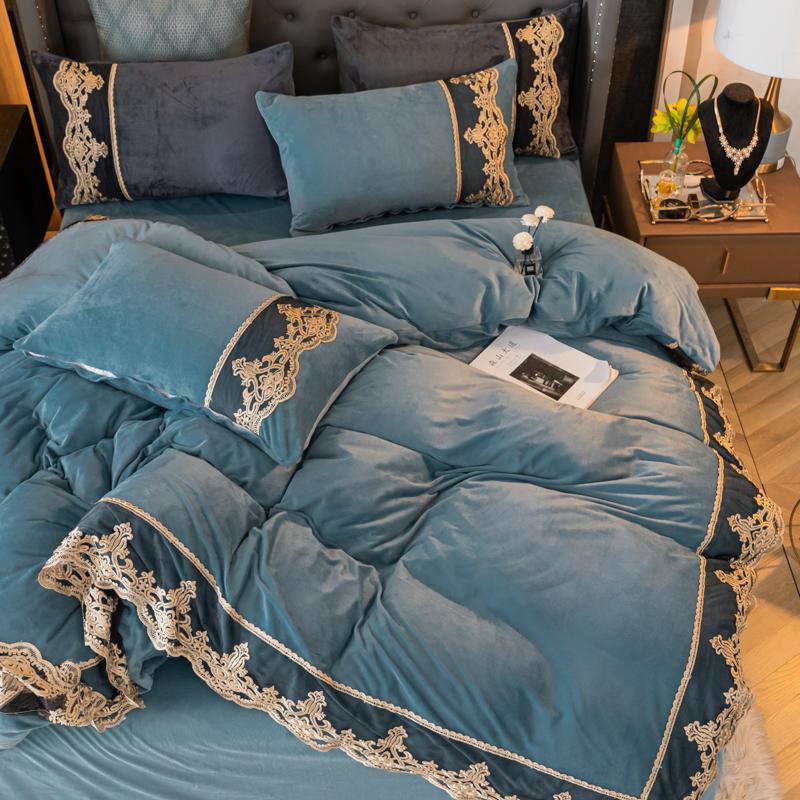 Classic Velvet Embroidery Bedding Set