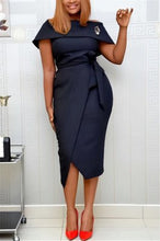 Load image into Gallery viewer, Fashion Sexy Solid Color Off Shoulder Dress (Brooches Match Randomly)
