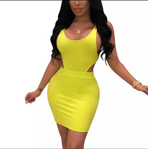 Fashion Yellow Solid Color U Neck Sleeveless Bodycon Dress