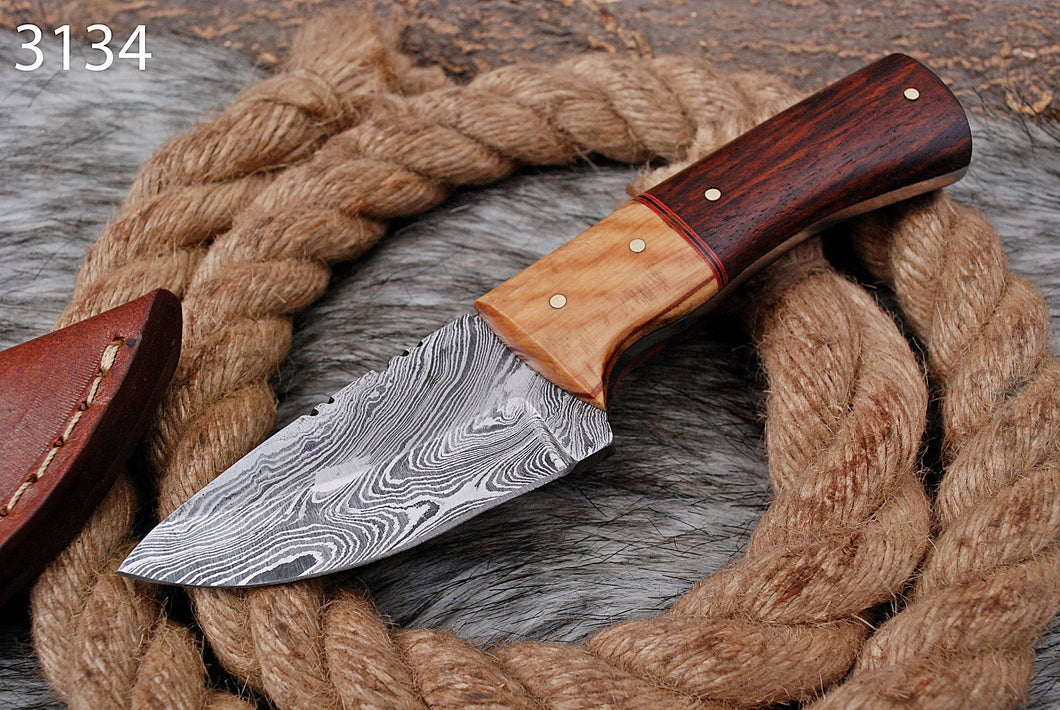 Custom Hand Forged Damascus Steel Hunting Knife AJ 3134